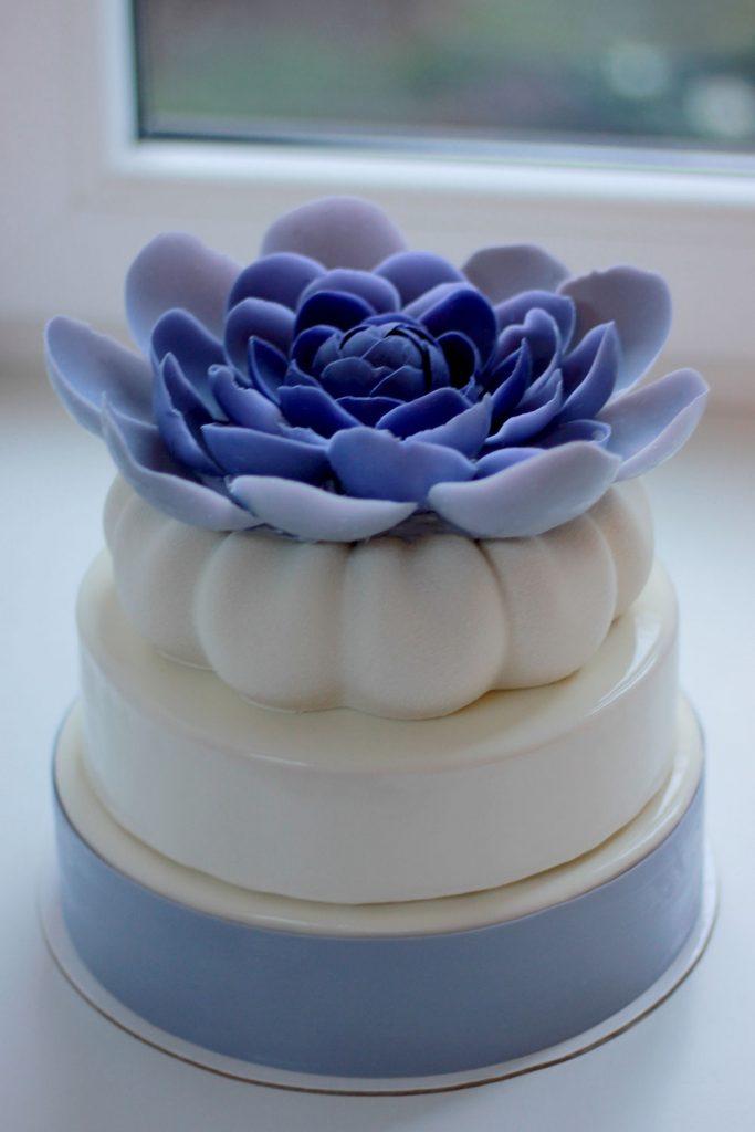 kazu-torte-violeta-liela-puke