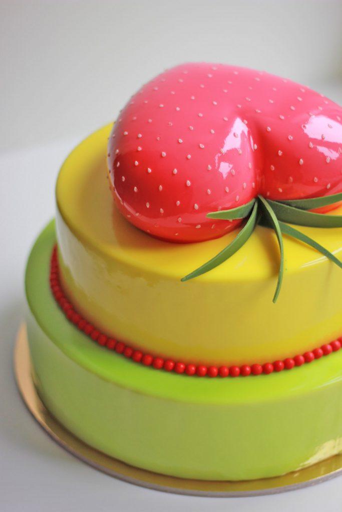 kazu-torte-liela-zemene