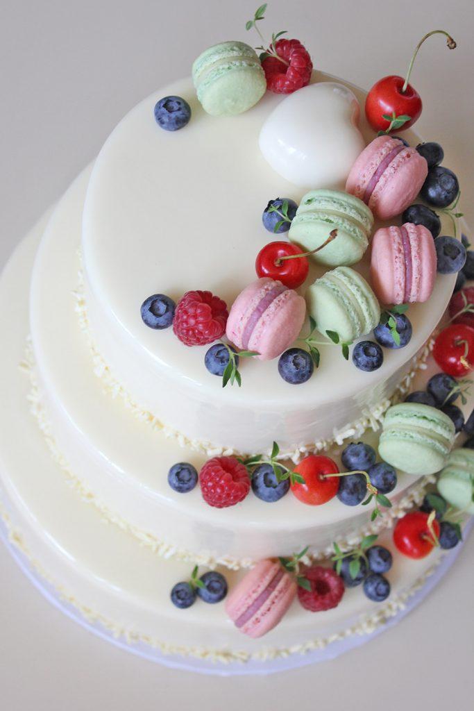 kazu-torte-macarons-sirds