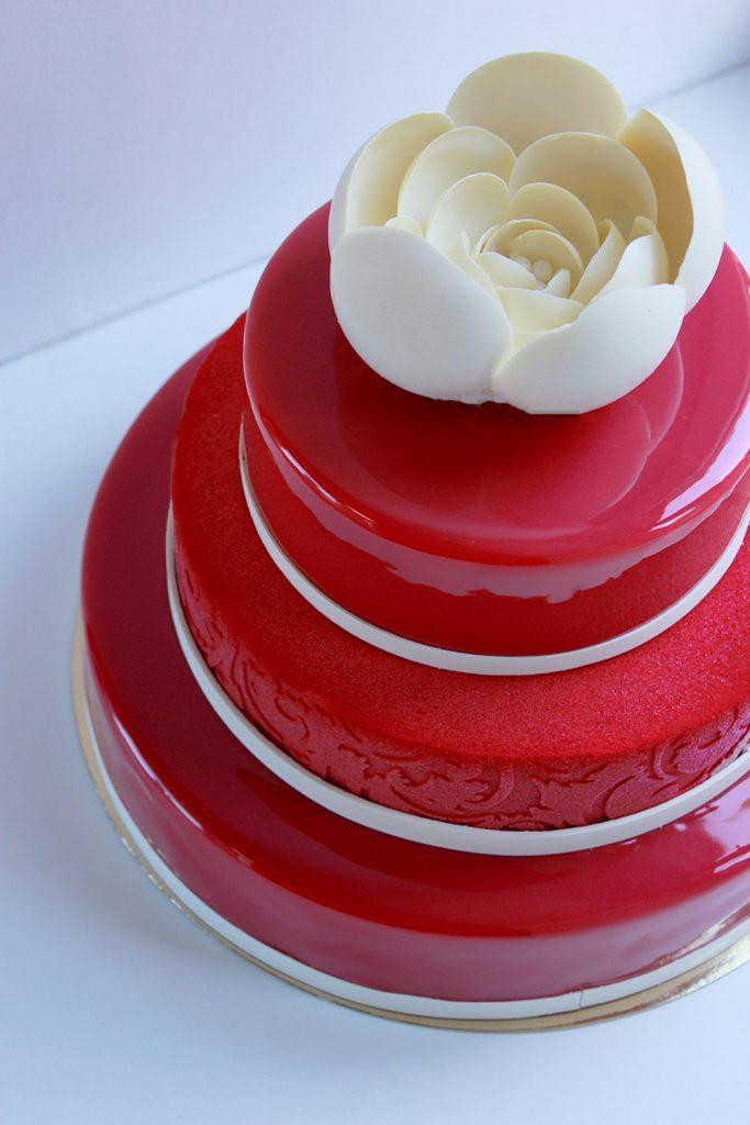 kazu-torte-sarkana