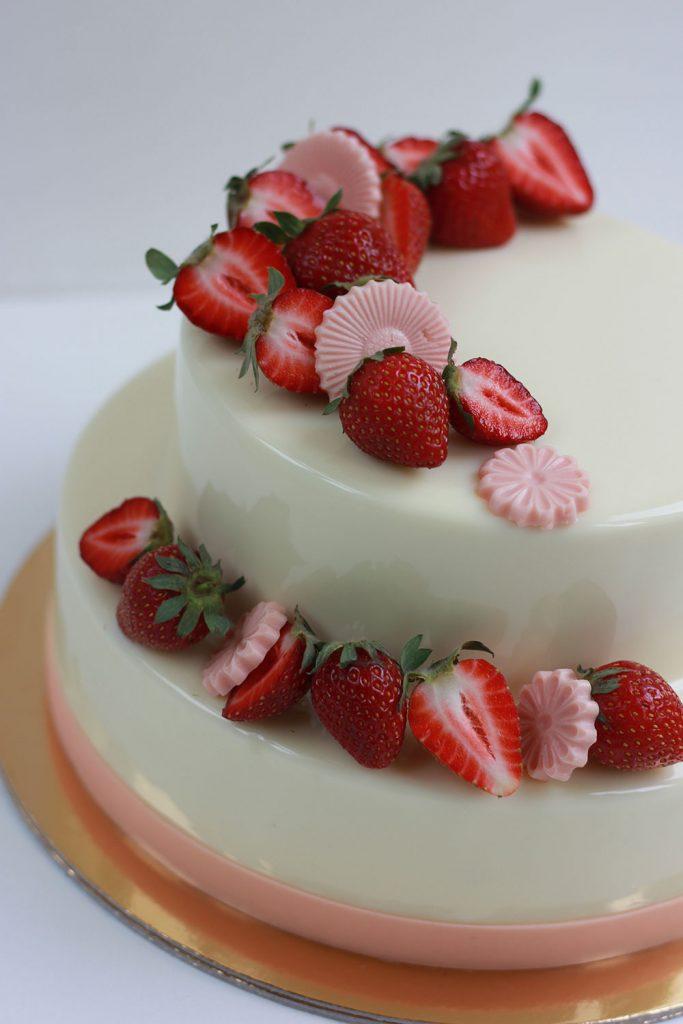 kazu-torte-zemenes